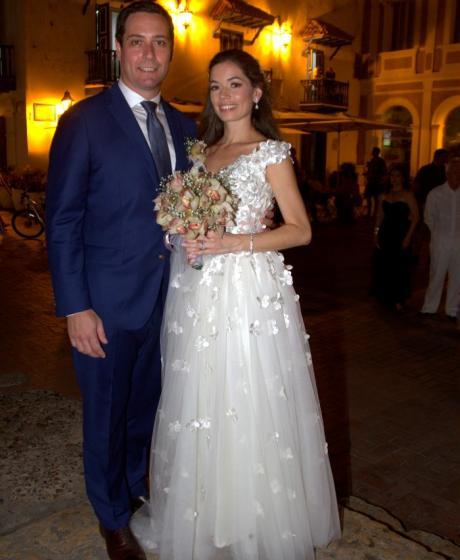 Los recién casados, Greg Peter y Cristina Cabrales.